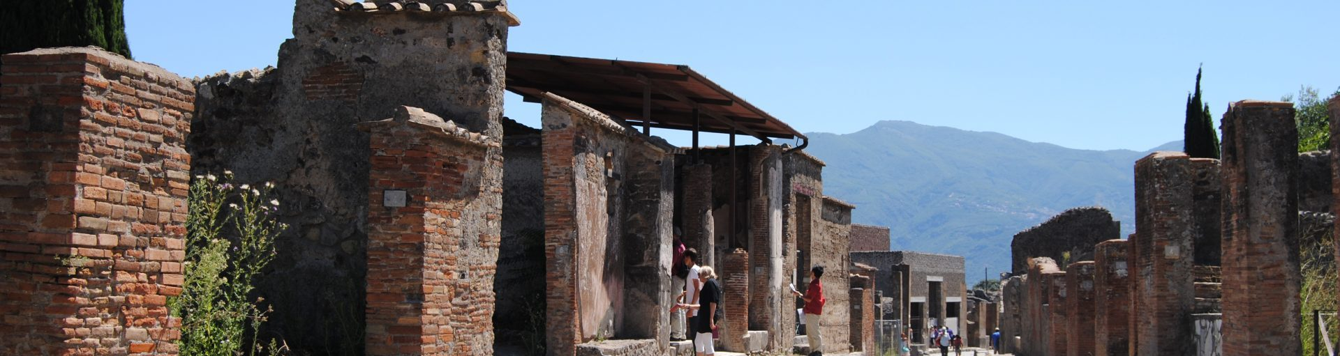 Pompeii and Herculaneum, the cities suspended over the time