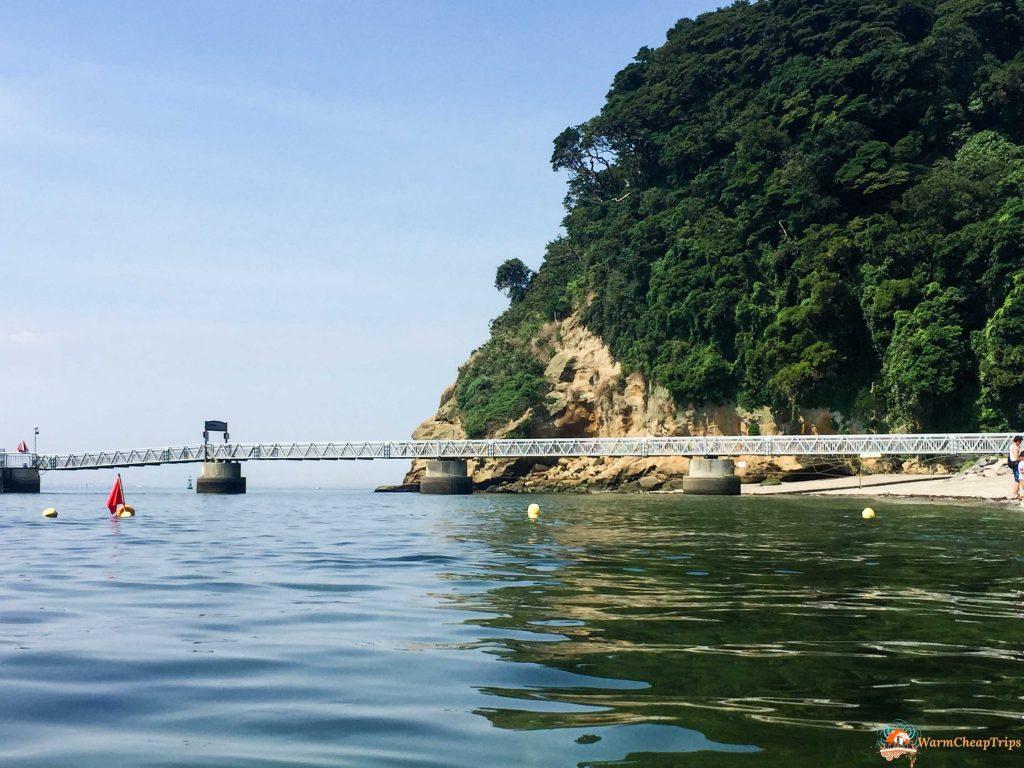 Sarushima, un'isola disabitata nella baia di Tokyo