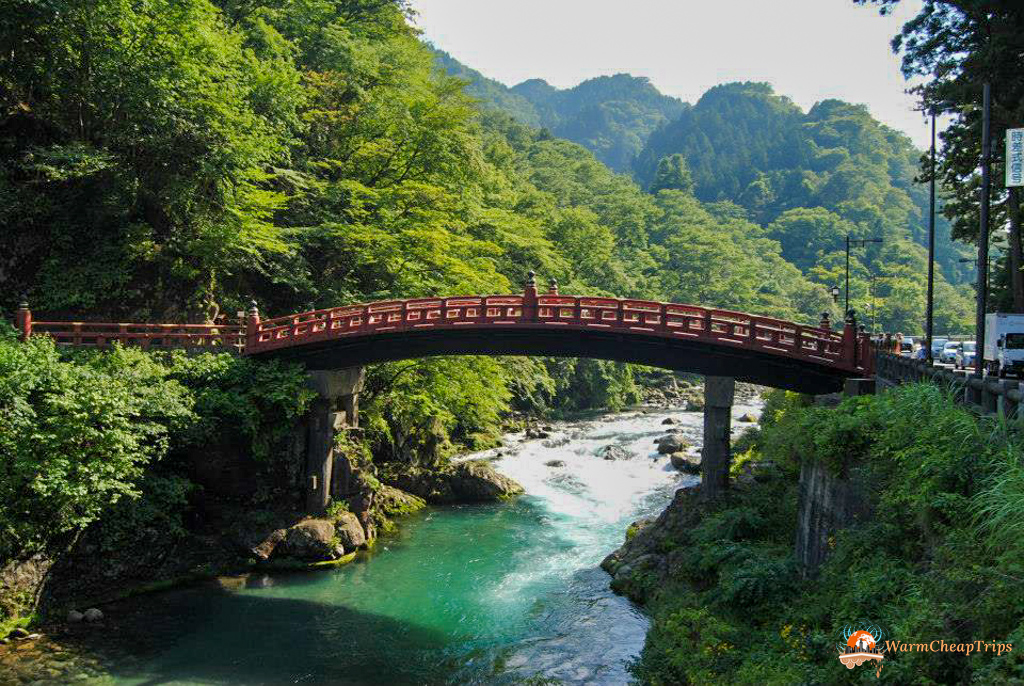 Visitare Nikko - Shinkyo Bridge